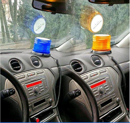 kogut lampa ostrzegawcza w samochodzie